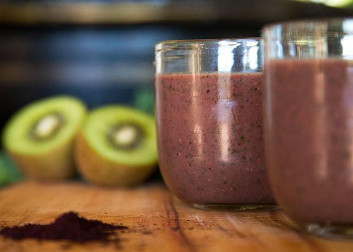 kiwi and kale smoothie