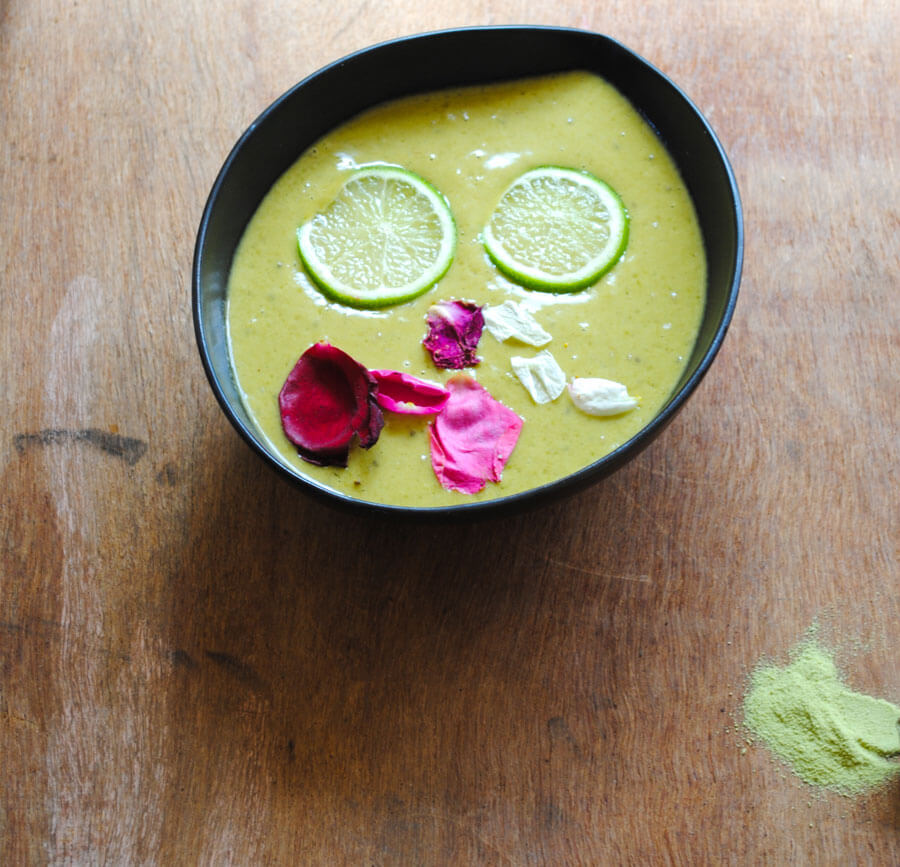 Matcha Protein Smoothie & lime Bowl